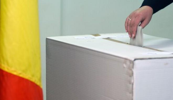 INSCOP: Câți dintre români ar prefera un președinte bărbat - catiarprefera-1392125798.jpg