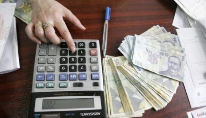 Foto: Iată câți români cotizează la pilonul II de pensii