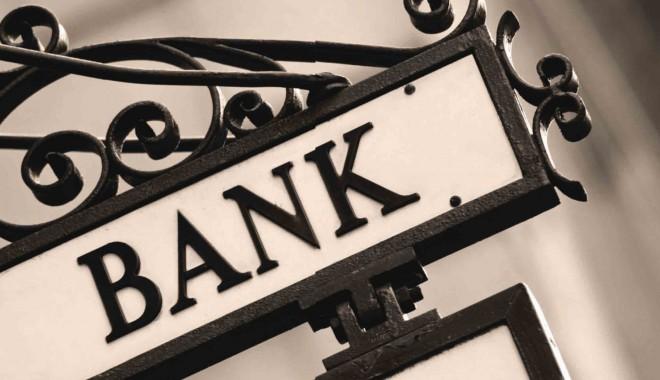 Foto: Câţi români mai apelează la bănci, atunci când pornesc o afacere