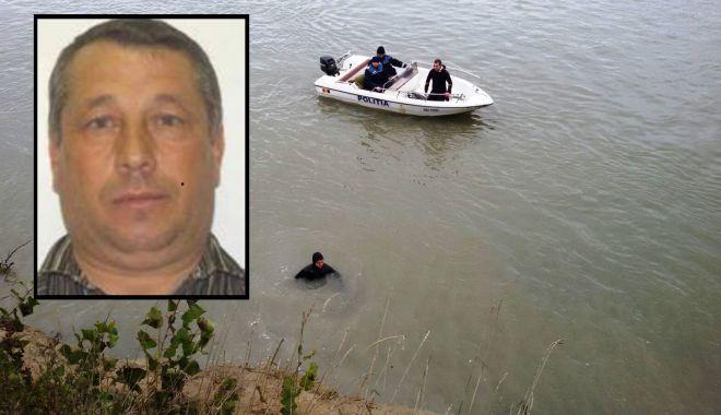 Foto: FOTO! El este bărbatul căutat în Dunăre! Ar fi căzut de pe o barjă, la Cernavodă