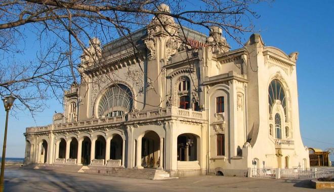 Foto: Donaţie de ultim moment, soluţia salvatoare. Cazinoul din Constanţa va fi reparat şi igienizat!