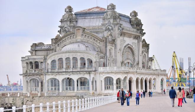 Marile investiţii ale Constanţei: reabilitarea Cazinoului, strada Ştefan cel Mare reamenajată integral şi autobuze RATC noi