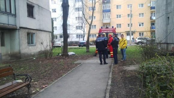 Foto: Elev de 13 ani ÎN STARE GRAVĂ, după ce a căzut de la etajul 1, CHIAR ÎN TIMPUL OREI