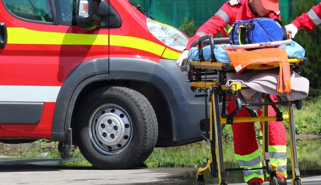 Foto: Tragedie în Constanța. Bătrân mort după ce a căzut de la etajul 4