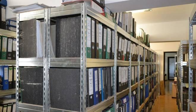 Foto: CCINA organizează cursuri de arhivari