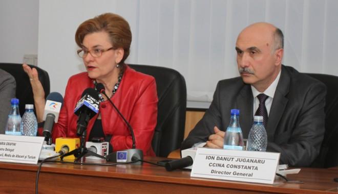 Foto: Ministrul Grapini, faţă cu hotelierii: cum va arăta impozitul forfetar?