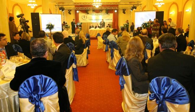 """Foto: În această seară se lansează """"Topul societăţilor comerciale din judeţul Constanţa pe anul 2011""""!"""
