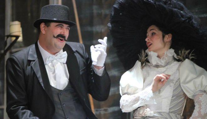 """Foto: """"Cea mai frumoasă soţie"""" vă aşteaptă, deseară, la teatru"""