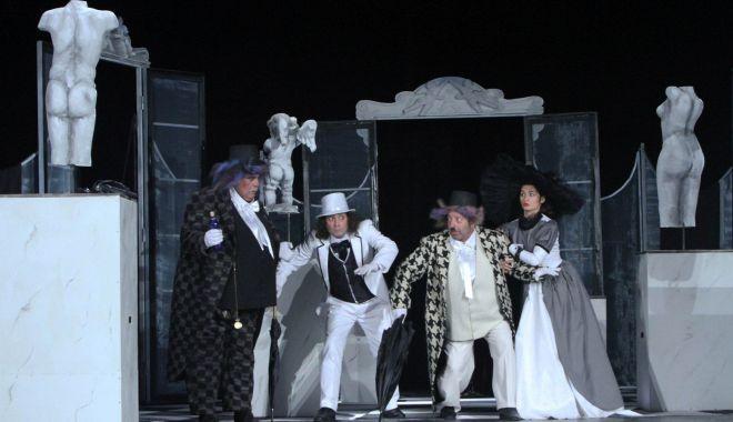 """Foto: """"Cea mai frumoasă soţie"""" revine pe scena Teatrului de Stat"""