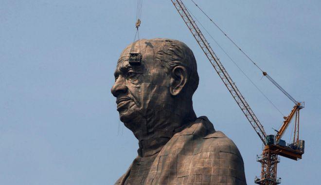 Foto: A fost inaugurată cea mai înaltă statuie din lume