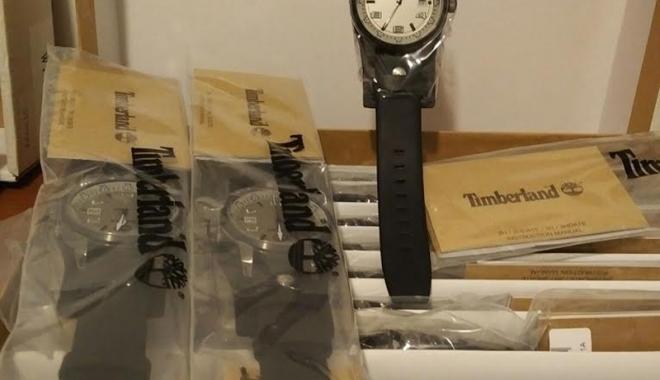 Foto: Ceasuri contrafăcute, de peste 1.000.000 lei, confiscate la Constanţa