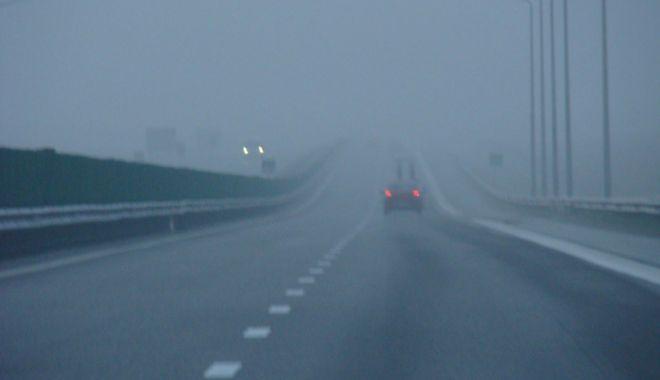 Foto: Avertizare de ceață și vânt puternic, pe Autostrada Soarelui