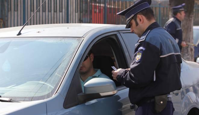 Foto: Ce au descoperit poliţiştii din Medgidia în timpul unei razii