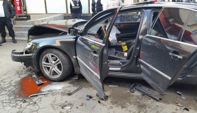 Foto: Ce au păţit interlopii din Năvodari după ce s-au înjunghiat în stradă