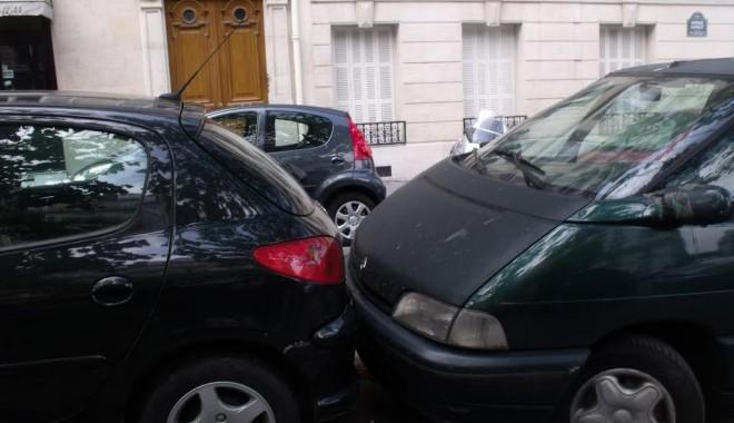 Foto: Ce faceţi în caz de accident rutier în străinătate