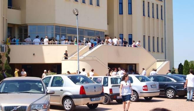 """Foto: Ce facultăţi au cele mai multe locuri la Universitatea """"Ovidius"""""""