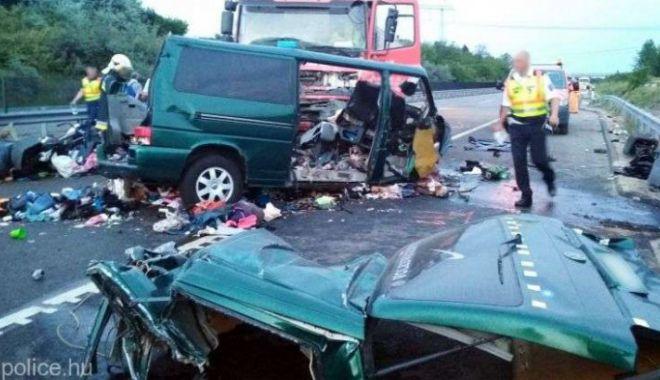 Foto: CARNAGIU! Nouă morți, majoritatea români, într-un accident din Ungaria. MAE a activat celulă de criză