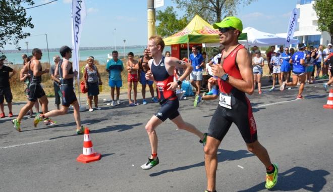Foto: Cei mai rezistenţi sportivi  de la triatlonul TriChallenge