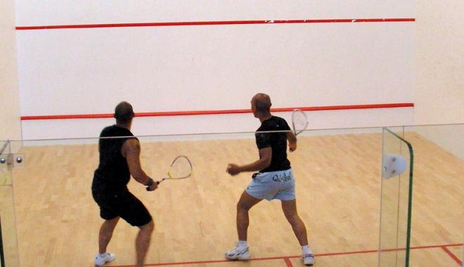 Cei mai buni jucători de squash din ţară participă la turneul de la Constanţa - ceimaibuni-1465321298.jpg