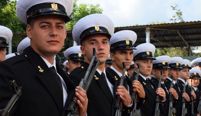Cei mai noi militari ai Forțelor Navale depun, astăzi, jurământul militar - ceimainoimilitari-1571874175.jpg