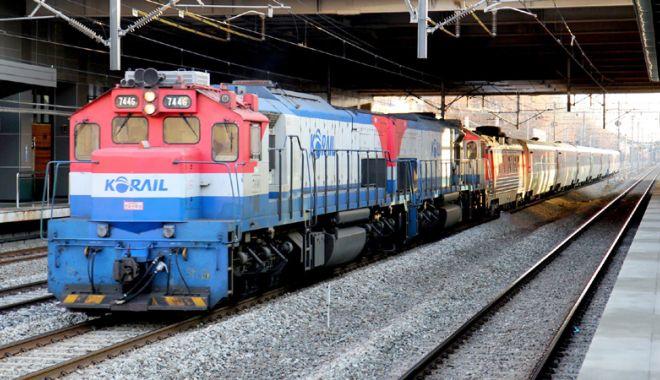 Foto: Cele două Corei discută despre interconectarea reţelelor lor feroviare