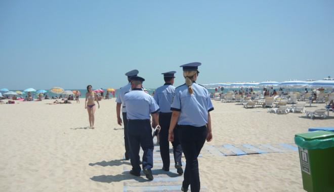 Foto: Vin întăriri pentru poliţiştii constănţeni. Cum va fi supravegheat litoralul