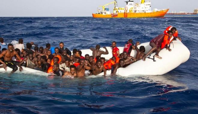 Foto: Cel puţin opt migranţi morţi în primul naufragiu pe Mediterana din 2018