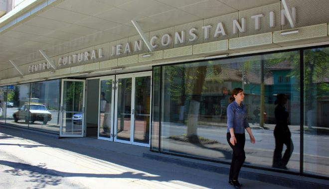 """Foto: În sfârşit! Se deschide Centrul pentru Tineret """"Jean Constantin"""""""