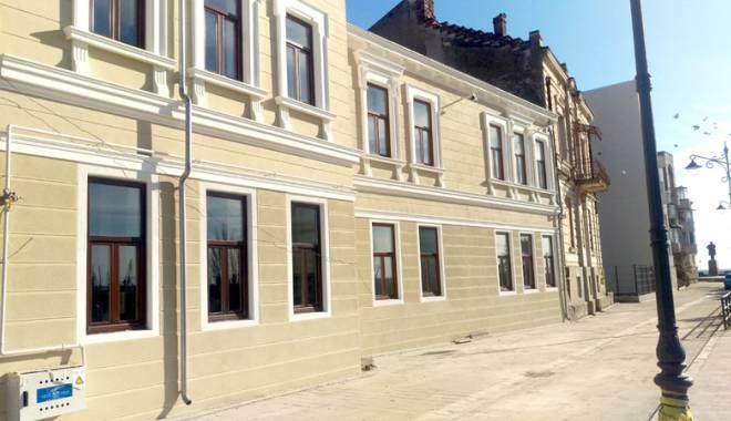 Foto: Clădire istorică din Peninsulă, transformată în Centru  de excelenţă în turism