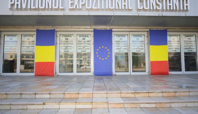 GALERIE FOTO. Pavilionul Expoziţional, cel mai mare centru de vaccinare din judeţul Constanţa. 34 de cabinet deschise - centruvaccinare-1616492801.jpg