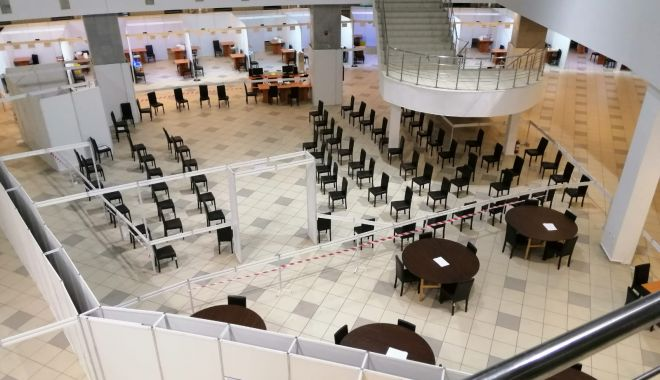 GALERIE FOTO. Pavilionul Expoziţional, cel mai mare centru de vaccinare din judeţul Constanţa. 34 de cabinet deschise - centruvaccinare4-1616492782.jpg