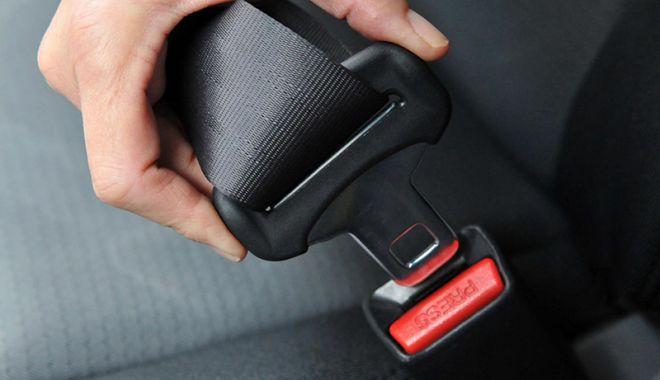 Centura de siguranţă, un accesoriu opţional pentru unii şoferi - centura-1520959342.jpg