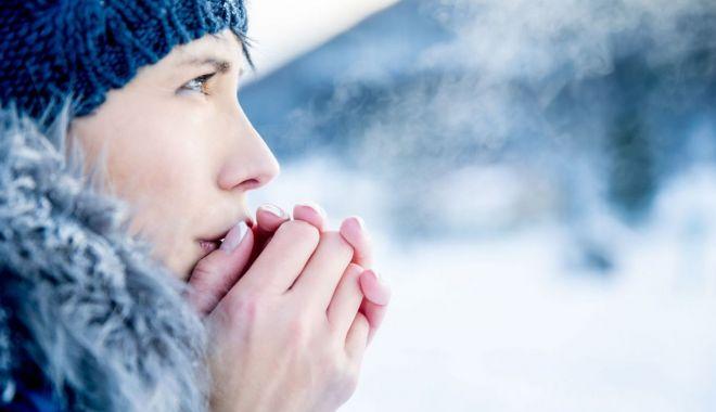Foto: Ţi-e frig întruna? Iată explicaţiile şi recomandările medicilor