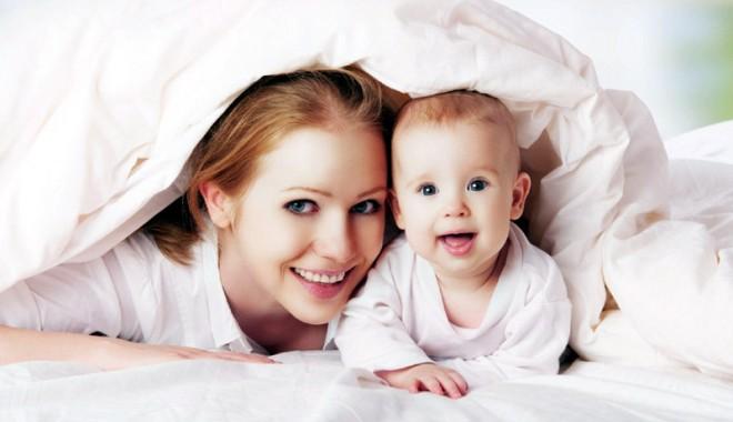 Foto: Ce păţesc mamele care fac venituri când sunt în concediu de creşterea copilului