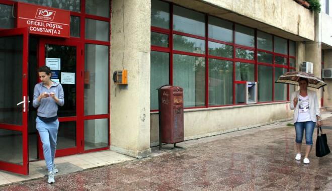 Foto: Ce program au oficiile poştale de Paşte şi de 1 Mai