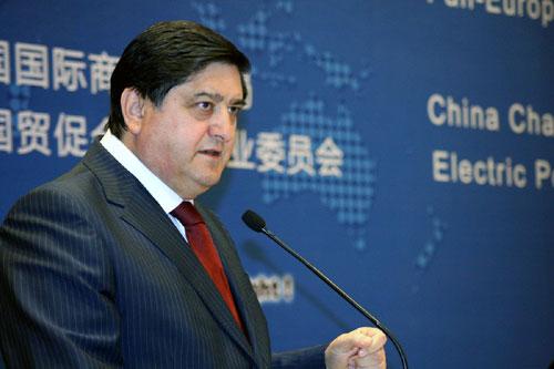 Foto: Ce proiecte discută ministrul economiei în China