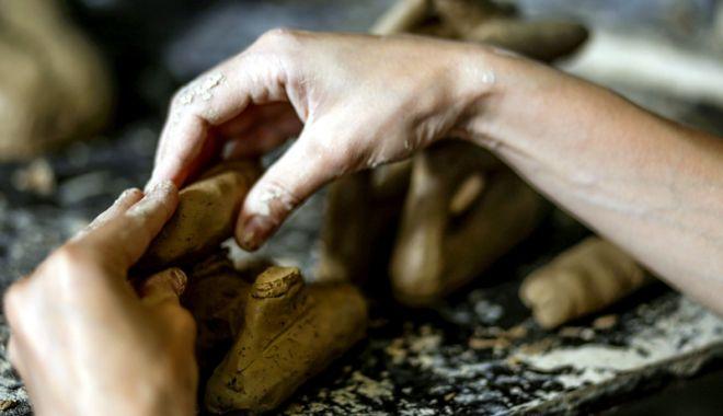 Foto: Eveniment inedit dedicat iubitorilor de ceramică monumentală