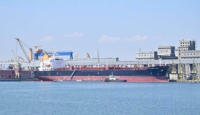 Foto: Cerealele și materiile prime siderurgice au relansat traficul de mărfuri în portul Constanța