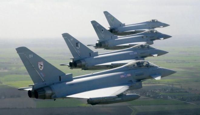 Foto: Ceremonie la Baza 57 Aeriană Mihail Kogălniceanu. Ministrul Apărării, prezent