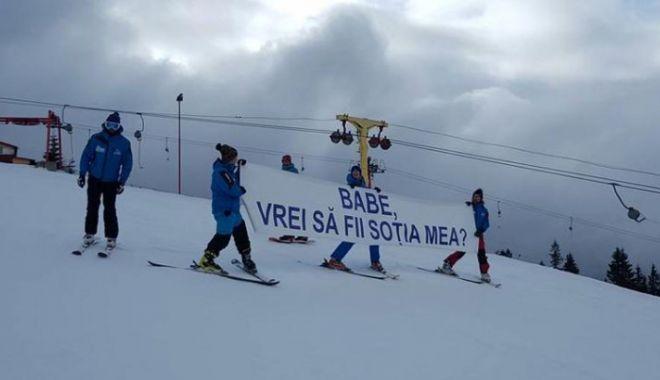 Foto: Cerere în căsătorie unică, pe o pârtie de schi din România
