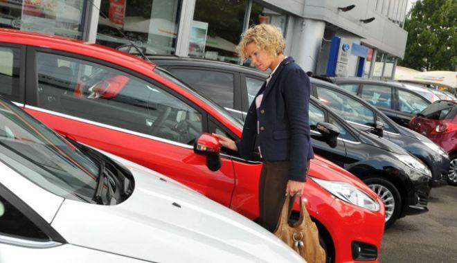 """Foto: Ce se întâmplă cu taxa auto? """"Să nu plângem după zeci de milioane de euro…"""""""