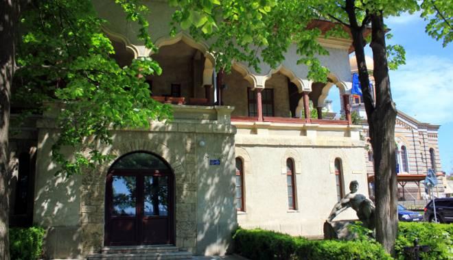 Foto: Ce secrete ascunde Casa Pariano, naţionalizată de comunişti