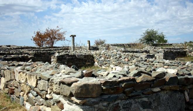 Cel mai vechi oraș din România, scos la lumină de arheologii constănțeni - cetateahistria-1326465220.jpg