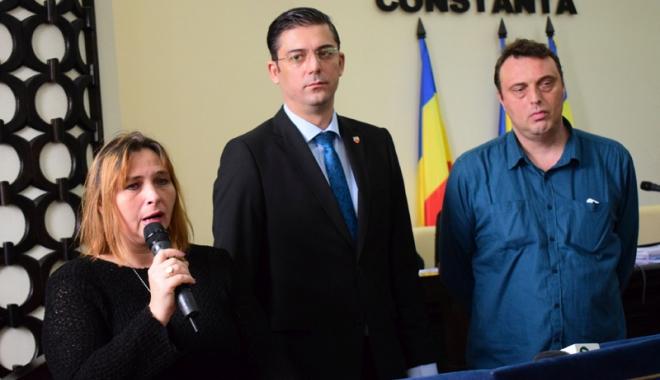 Profesorul Gheorghe Dumitraşcu, cetăţean de onoare post-mortem - cetateandeonoare2-1511885870.jpg