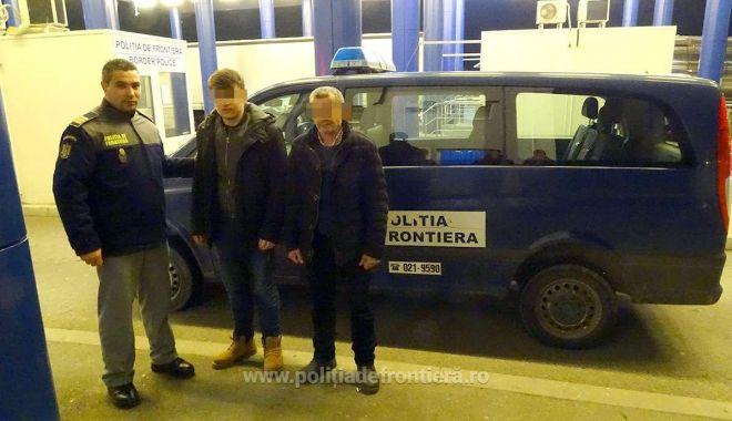 Foto: Prinşi când încercau să intre ilegal în România, cu acte false