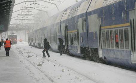 CFR restituie contravaloarea biletelor pentru trenurile anulate. Vezi și alte măsuri - cfr-1328609150.jpg