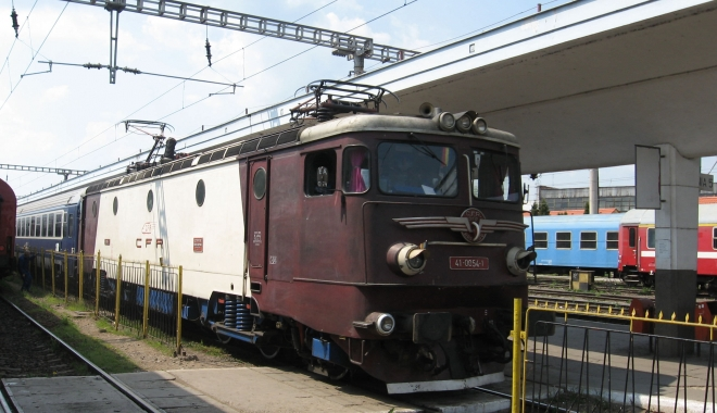 Foto: Cum se poate călători în siguranţă cu trenul pe timp de caniculă