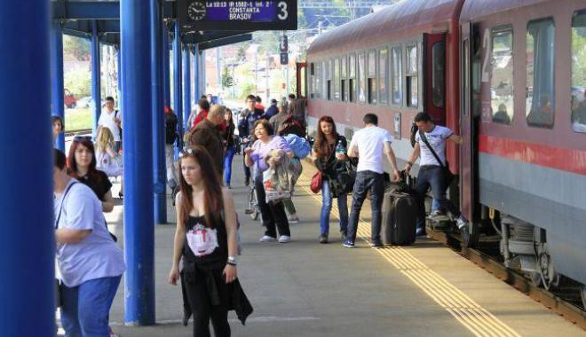 Foto: Ce trenuri circulă spre litoral de 1 Mai