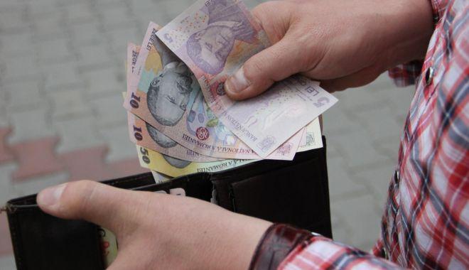 Foto: Cheltuielile cu salariile și pensiile vor continua să crească în 2019