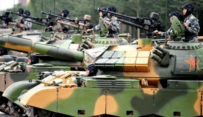 Foto: China îşi majorează cu 7,5% bugetul pentru apărare